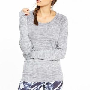 Nike Dri Fit Long Sleeve Fitted Thumb Hole Top L